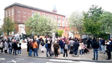 Un rassemblement en soutien aux travailleurs de la maison de repos Porte de Hal, la direction réagit