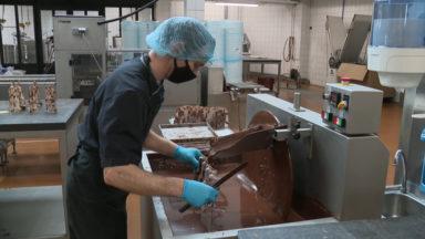 Plongée dans les coulisses de la chocolaterie Frédéric Blondeel, à l'approche de Pâques