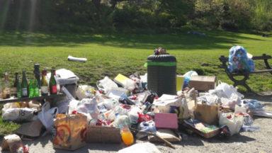 Le parc de Forest rempli de déchets : des riverains s'interrogent