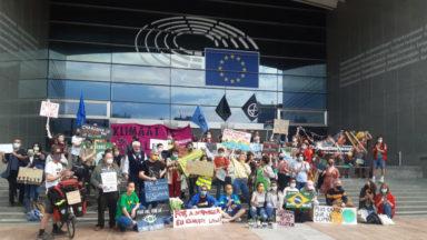 Rise for Climate dénonce l'interdiction des manifestations sur l'Esplanade du Parlement européen