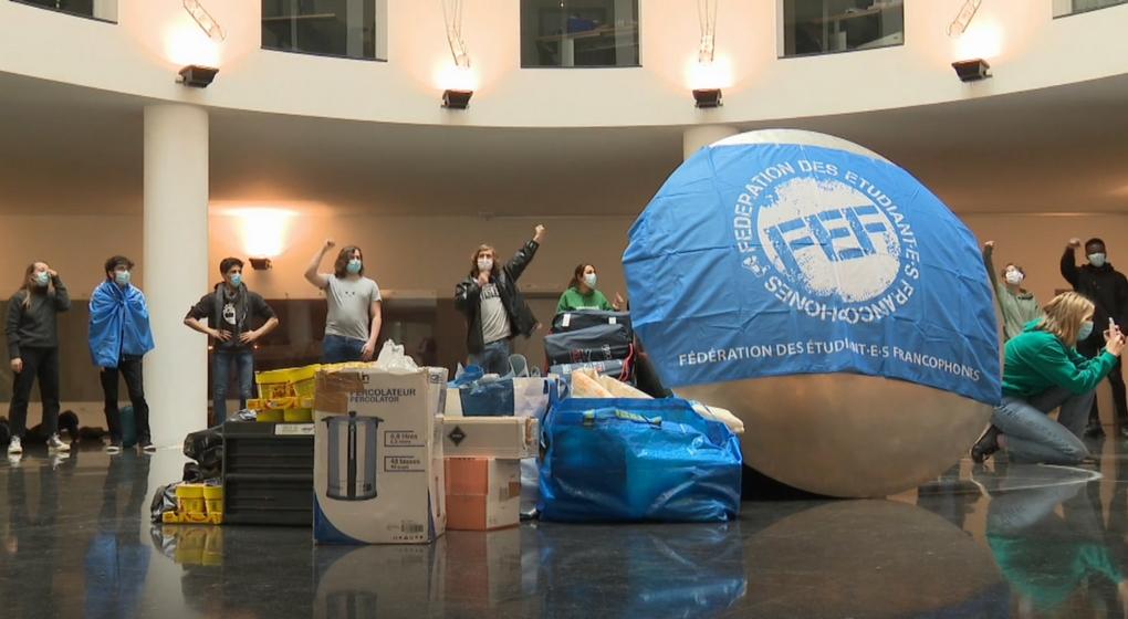 Action étudiants FEF Siège de la Fédération Wallonie-Bruxelles 05052021 - Capture BX1