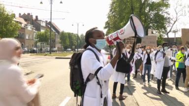Les médecins assistants dénoncent leurs conditions de travail