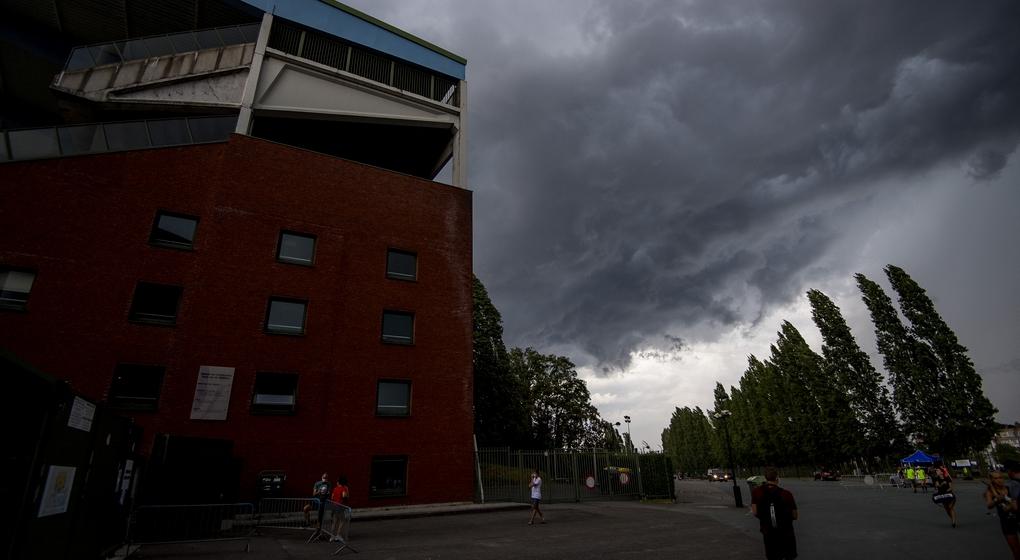 Nuages Orages Stade Roi Baudouin Bruxelles - Belga Jasper Jacobs