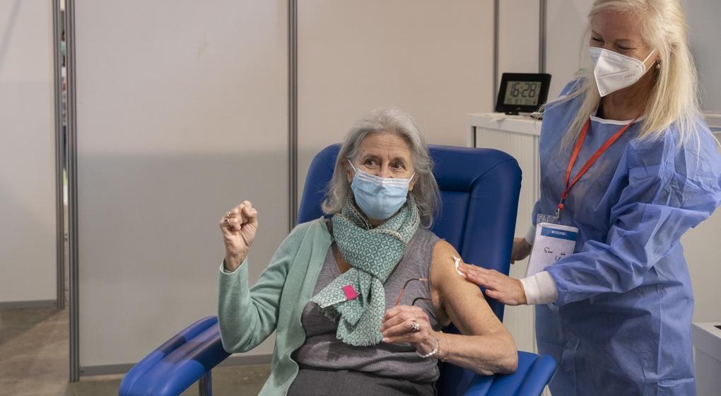 Vaccin Covid-19 Coronavirus Heysel Bruxelles - Belga Hatim Kaghat
