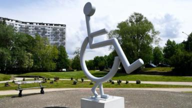 Anderlecht : une statue de 4 mètres pour visibiliser le handicap