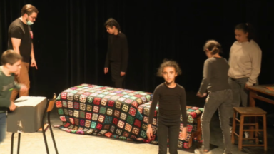 Sans public, deux classes de primaire organisent leur spectacle de fin d'année… sur Twitch