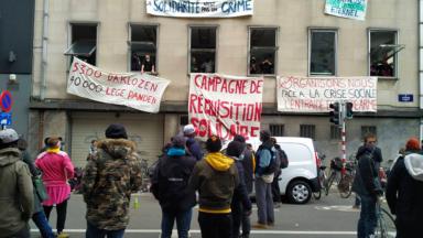 Réquisition solidaire : des habitants se mobilisent pour éviter leur expulsion d'un bâtiment avenue Louise