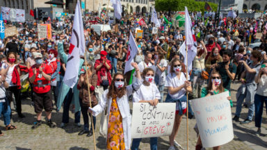 """""""Du blé pour la santé !"""" : la Santé en Lutte manifeste au Mont des Arts"""