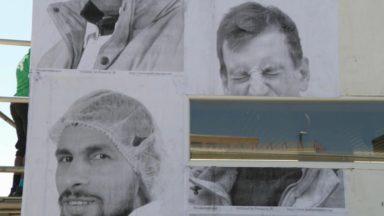"""Inside Out : des portraits """"d'invisibles"""" sur les murs des abattoirs d'Anderlecht"""