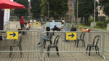 Vaccination contre le covid : Bruxelles veut attirer les 18-30 ans