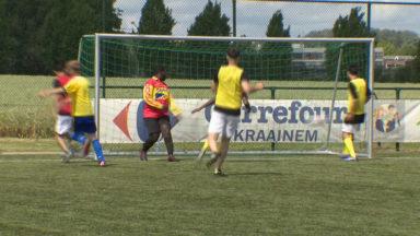 Kraainem : des athlètes des Special Olympics rencontrent des réfugiés lors d'un tournoi de foot