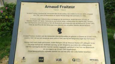 Ixelles : Inauguration d'une plaque en hommage au résistant Arnaud Fraiteur