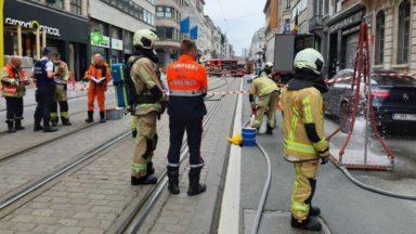 Rue Royale : circulation brièvement interrompue suite à la fuite d'un produit corrosif