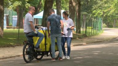 Des influenceurs pour sensibiliser à la propreté dans les parcs