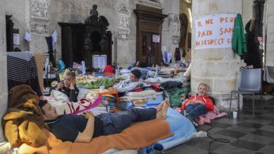 """Grève de la faim des sans-papiers : la visite de l'envoyé spécial jugée """"décevante"""""""