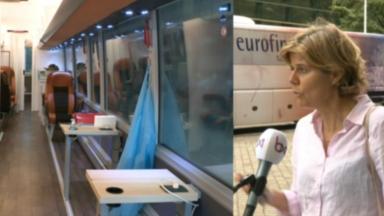 Un bus installé à la Gare du Midi pour tester les voyageurs