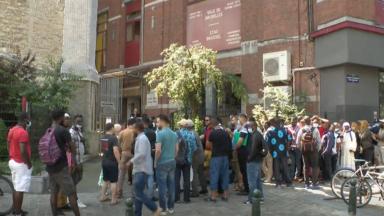 Sans-papiers : la zone neutre sera fermée au grand public dès lundi