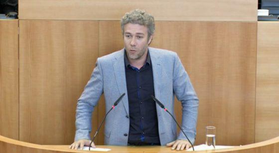 Alain Maron Ministre bruxellois de la Santé Parlement Bruxellois - Capture BX1