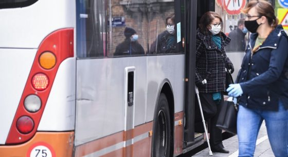 Bus Arrêt Stib Passagers Masque - Belga Laurie Dieffembacq