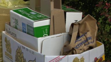 Déposer des cartons non pliés devant chez soi est interdit