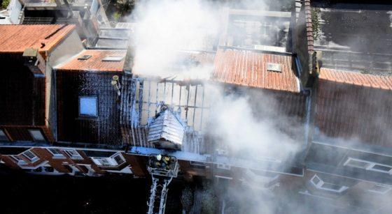 Feu de toiture Avenue du Cor des Chasses Watermael-Boitsfort 27082021 - Pompiers de Bruxelles Walter Derieuw