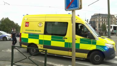 Une personne blessée après des coups de couteau en dessous du pont Sainctelette