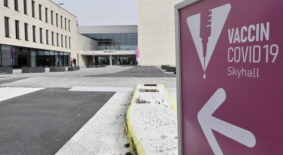 Skyhall Brussels Airport Centre de Vaccination Covid-19 - Belga Dirk Waem