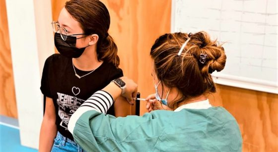 Élève Adolescente Athénée Koekelberg Vaccin Covid-19 - VGC