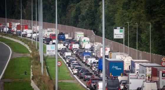 Embouteillages Ring Beersel - Image 1 - Belga Virginie Lefour