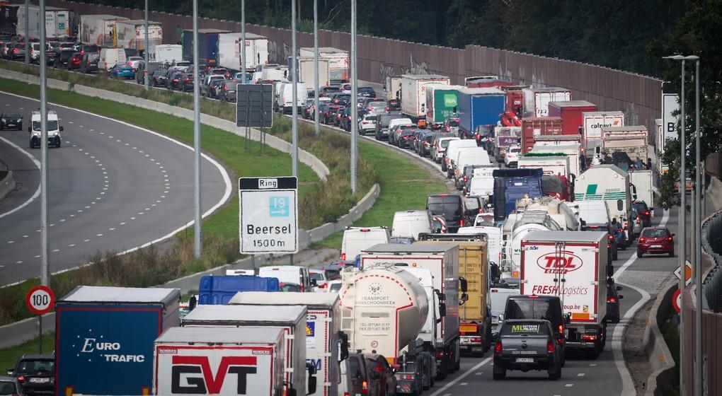 Embouteillages Ring Beersel - Image 3 - Belga Virginie Lefour