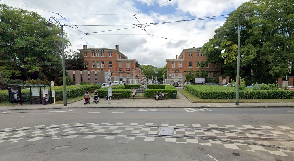 Hôpital Brugmann Entrée - Place Arthur Van Gehuchten - Google Street View