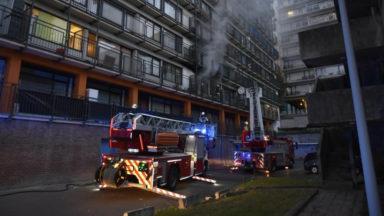 Anderlecht : deux personnes intoxiquées après un incendie à la cité du Peterbos