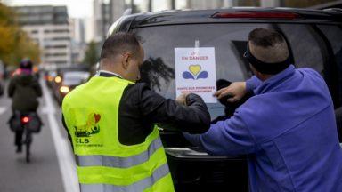 Plan Taxi : les chauffeurs LVC, mécontents de la réponse du gouvernement, ont manifesté au cabinet Vervoort