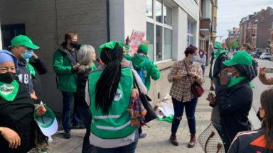 Anderlecht : mobilisation pour réclamer le paiement de deux travailleuses sans-papiers