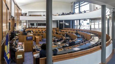 Extension du Covid Safe Ticket : le Parlement bruxellois valide l'accord de coopération