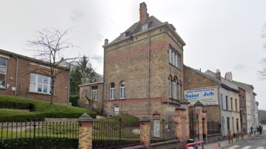 Cinq classes de primaire de l'école de Saint-Job à Uccle en quarantaine suite à des cas de Covid-19