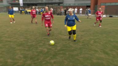Forest : des Seniors s'affrontent lors d'un tournoi de football en marchant