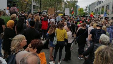 Cinquantenaire : plusieurs milliers de personnes rassemblées contre les mesures sanitaires