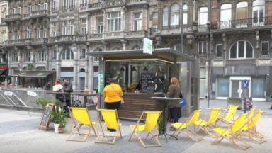Bruxelles : le kiosque de la place de Brouckère accueille le restaurant Woodpecker