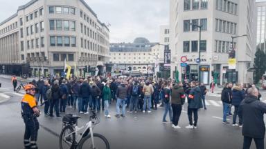 350 policiers manifestent leur mécontentement dans le centre de Bruxelles