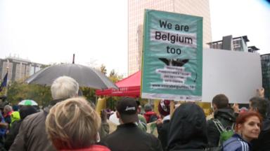 """""""We are Belgium too"""" : 600 personnes manifestent pour la régularisation des sans-papiers"""