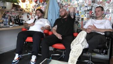 """Le trio de rap Stikstof dévoile son nouvel album """"Familie Boven Alles"""""""