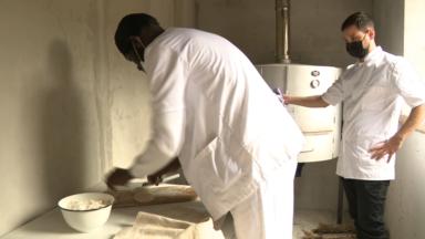 Forest: inauguration d'un four à pain à l'école Saint-Antoine