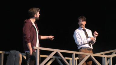 """Après la scène, la pièce """"Le Pont"""" s'invite dans les écoles pour parler du suicide"""